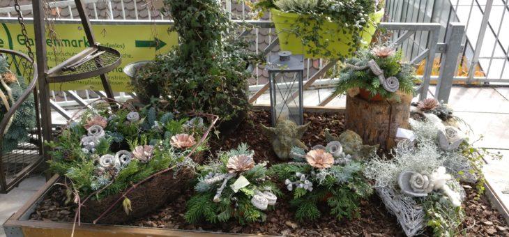 Ausstellung Grabschmuck im Gartenmarkt