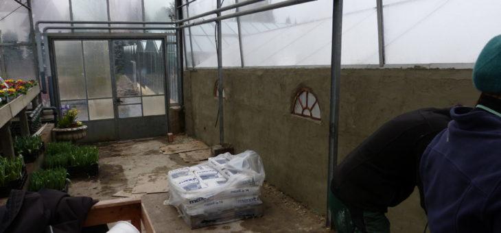 Mauer zwischen Gewächshaus 1 und 2