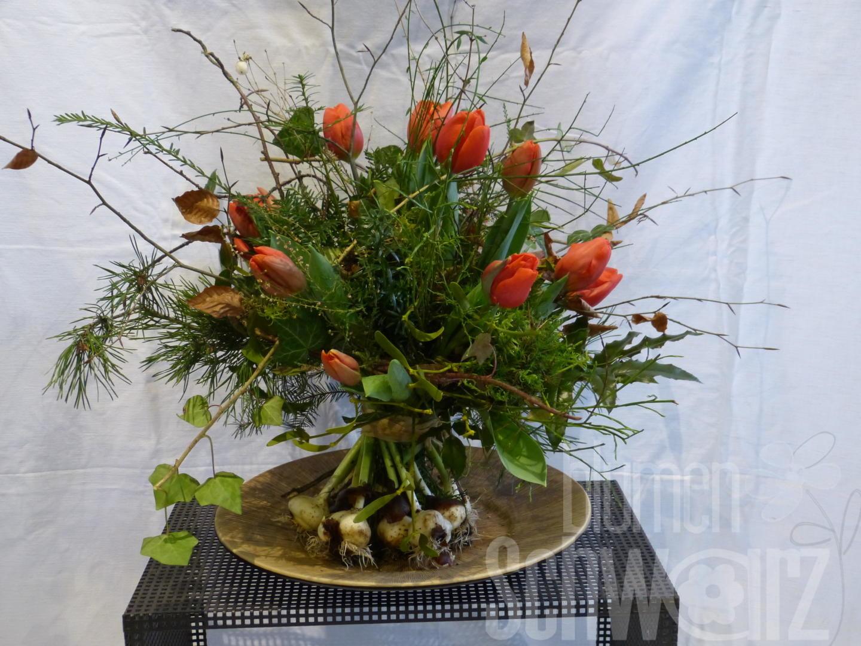 Tulpen Stehstrauß mit ausgewaschenen Zwiebel