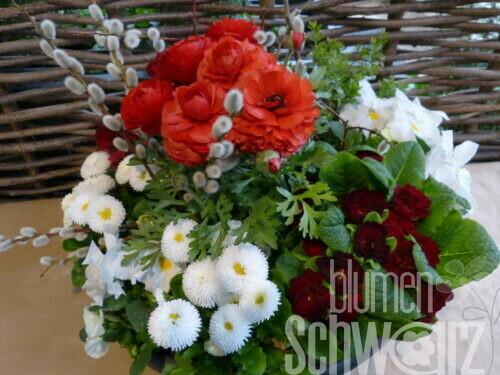 Arrangments, bepflanzte Schalen und Gefäßé